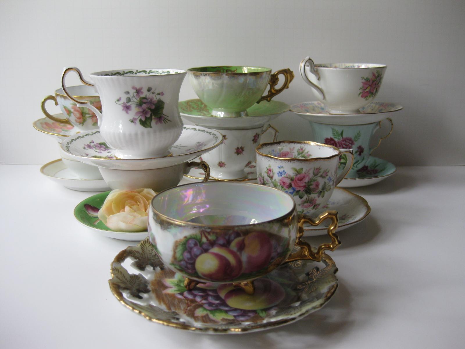Jen's Closet: Vintage Teacups & Saucers