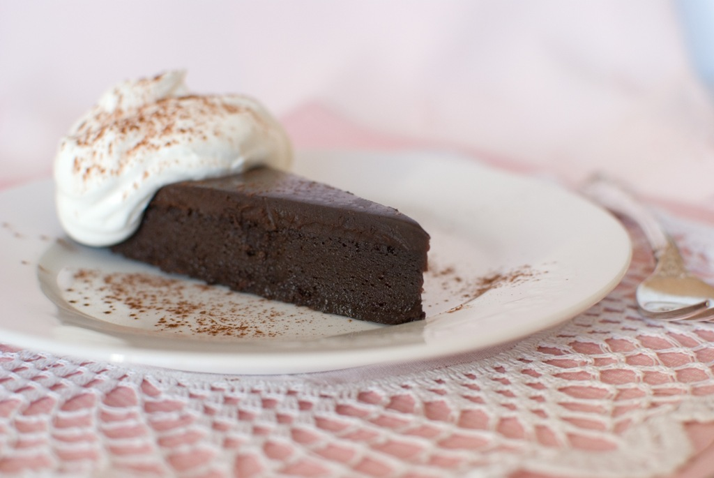 Simply So Good: La Bete Noire - Flourless Chocolate Torte