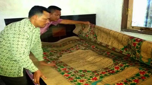 Giant Qur'an in Sidoarjo