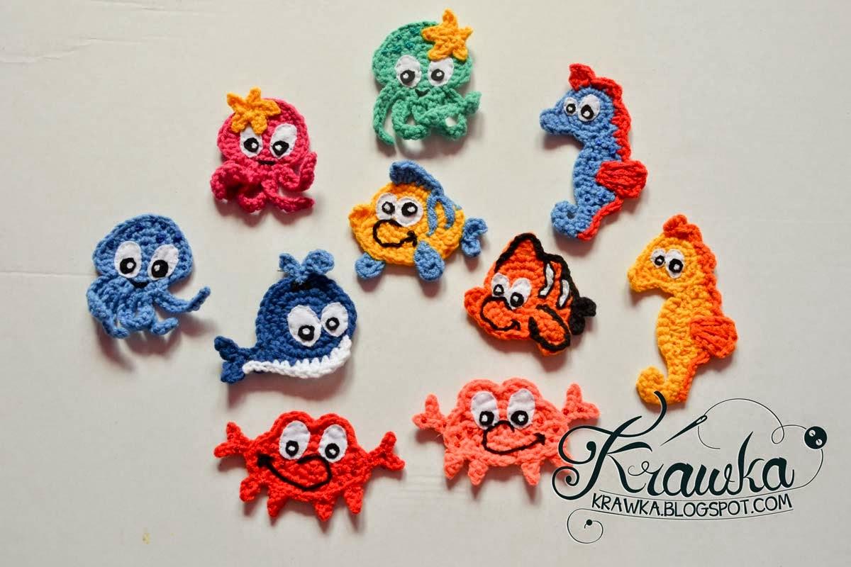 aplikacje szydełkowe rybki dla dzieci, ośmiornica, konik morski, kraby, wykonane na szydełku metodą amigurumi, magnesy na lodówkę, kolorowe aplikacje, własnoręczne naszywki . Crocheted amigurumi applications theme is under the sea, fish, crab, octopus, sea horse all very colorfull and handmade