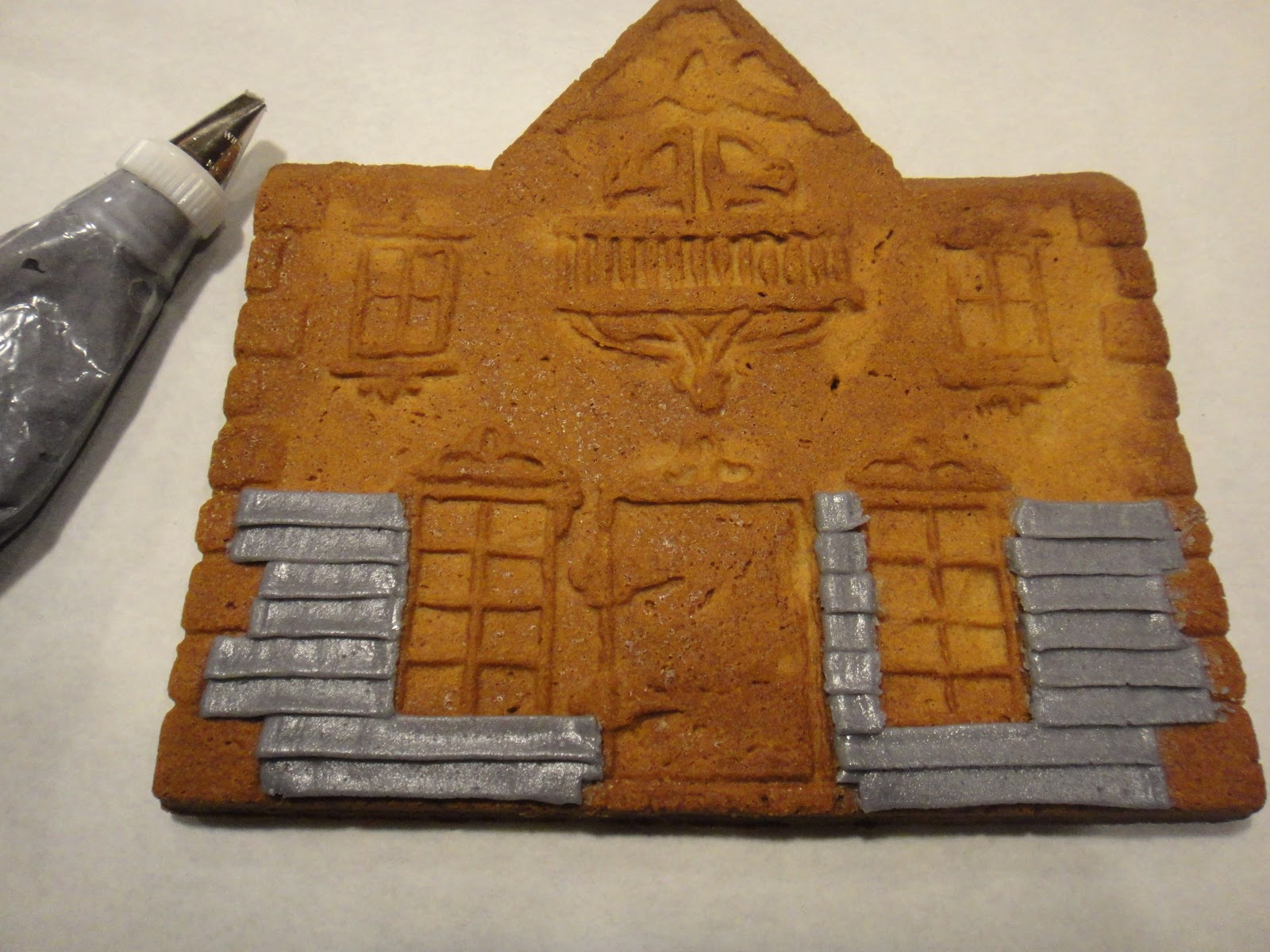 Worth Pinning Gingerbread Houses