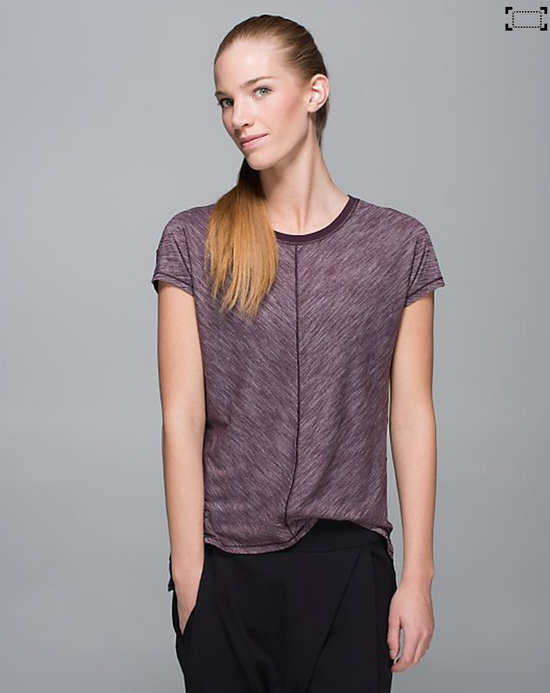 http://www.anrdoezrs.net/links/7680158/type/dlg/http://shop.lululemon.com/products/clothes-accessories/tops-short-sleeve/Retreat-Tee?cc=17664&skuId=3599151&catId=tops-short-sleeve