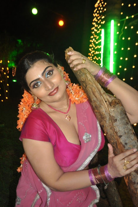 babilona in saree