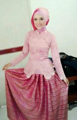 Model kebaya muslim wanita simple elegan