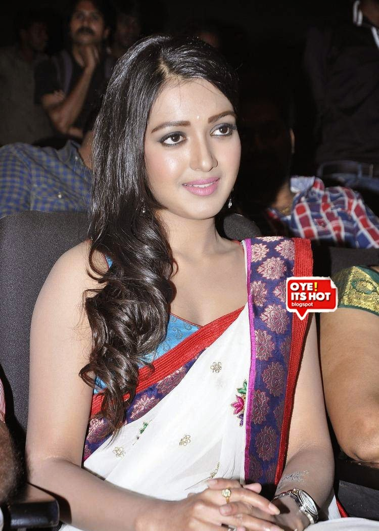 Catherine Tresa Sizzling In White Saree & Sleeveless ...