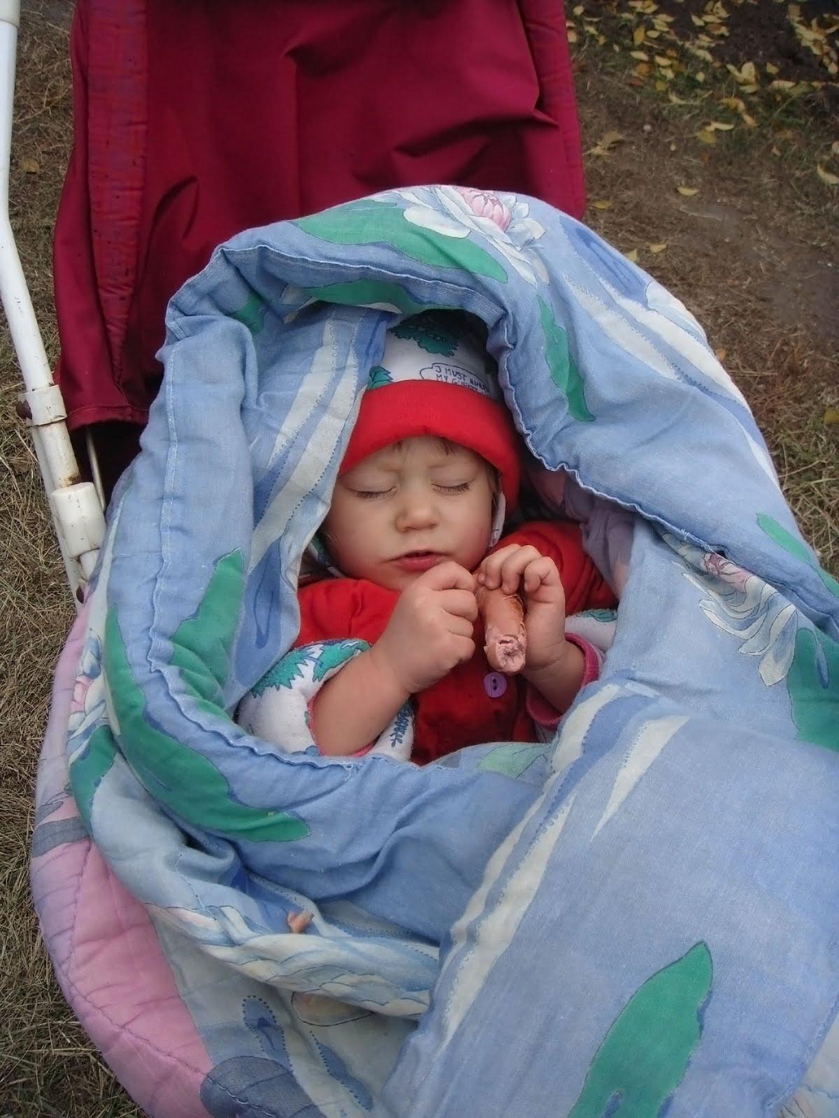 Тетка крепко спит 4 фотография