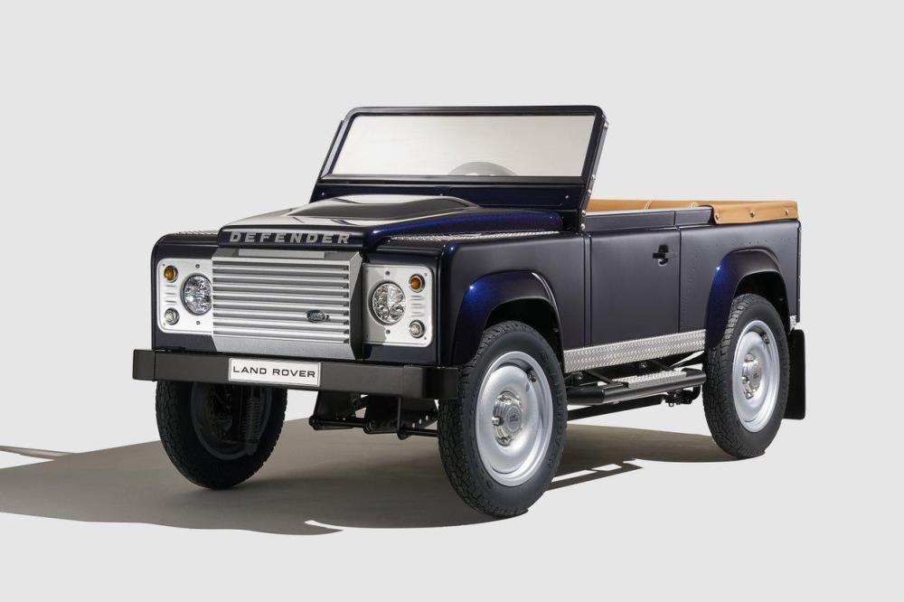 porelpiano land rover defender pedal car concept. Black Bedroom Furniture Sets. Home Design Ideas