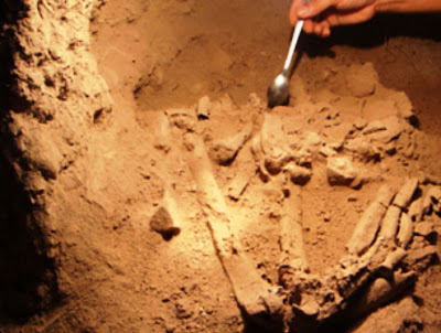 Prehistoric cave burials discovered in Vietnam
