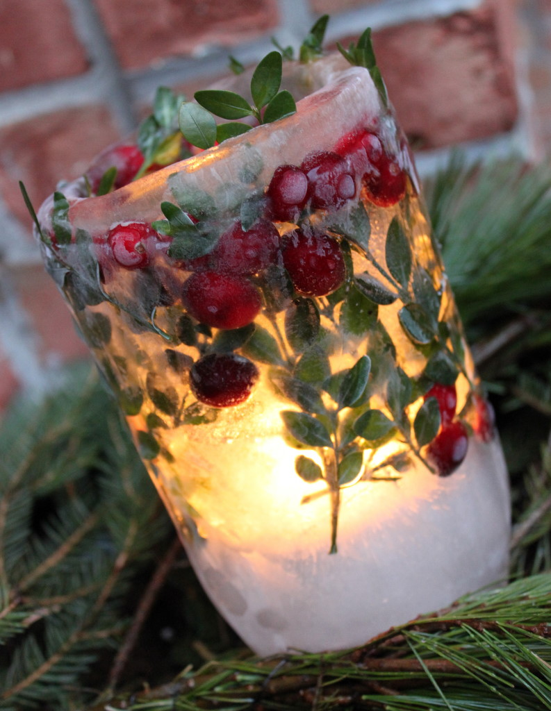 Diy holiday ice lanterns oh my creative for Large outdoor christmas candles