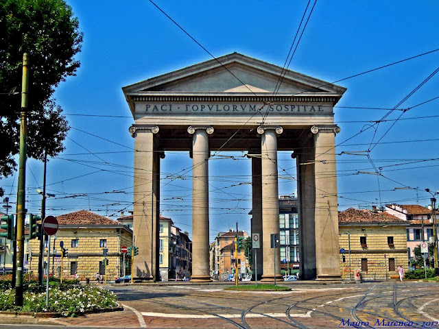 the newest and largest gate for Porta Ticinese was built in the Napoleonic era of the 19th century, and stands on the path of the 16th century Spanish Walls of Milan