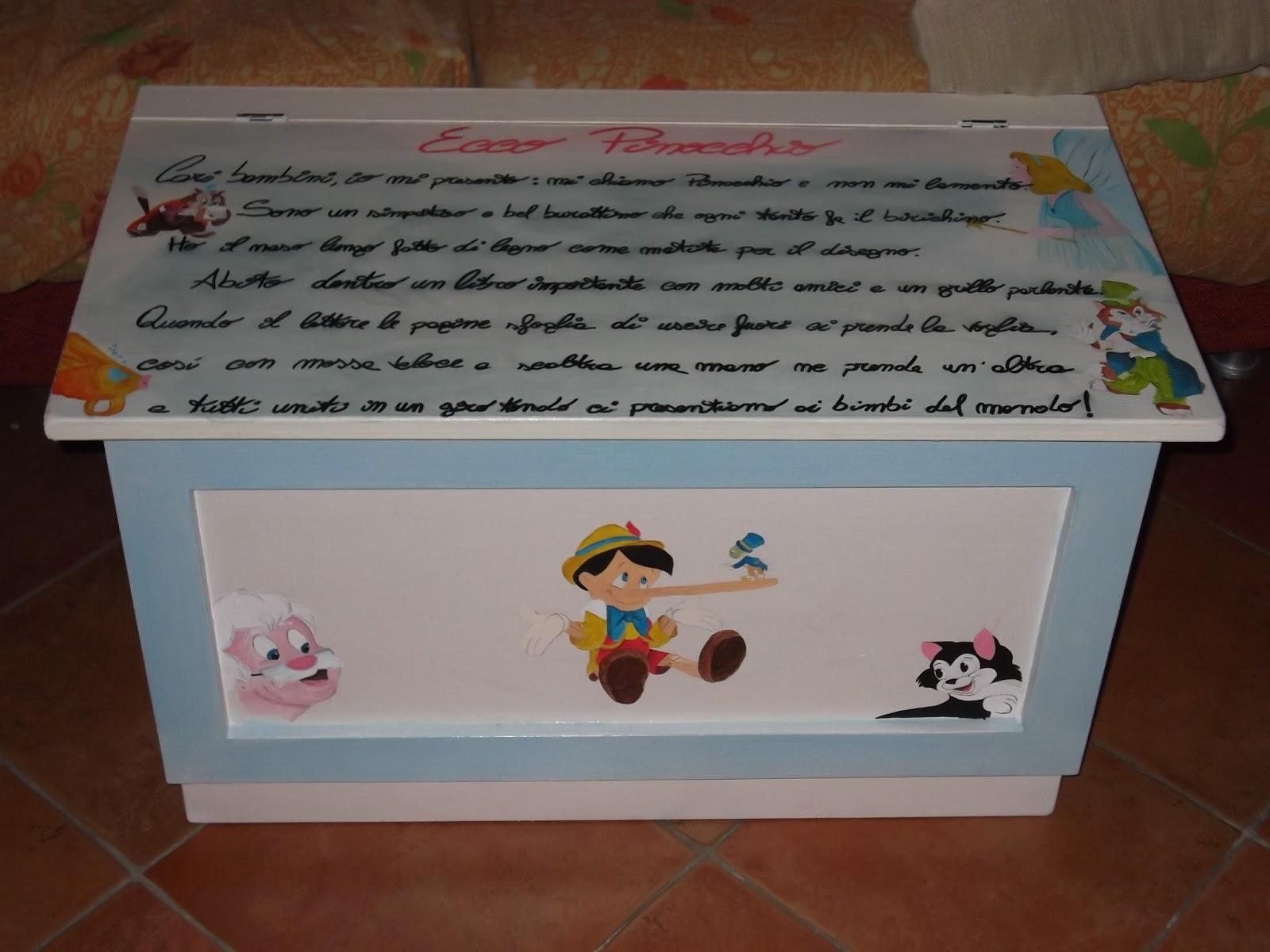 Arte monia pentolini cassapanca porta giochi per i miei for Mobili portagiochi per bambini