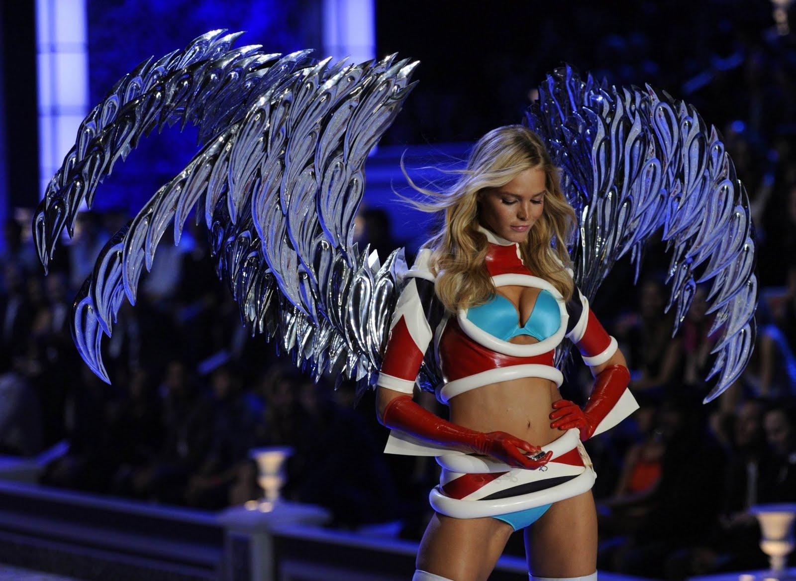 http://4.bp.blogspot.com/-9xYGjbYYc9s/UCFE8PpxVeI/AAAAAAAAA4Q/Cug8fPs5bgo/s1600/Erin+Heatherton+-+Victorias+Secret+Fashion+Show+2011-07.jpg