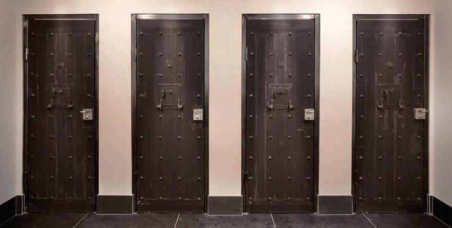 اقسى السجون فندق الرفاهيات het-arresthuis-toile