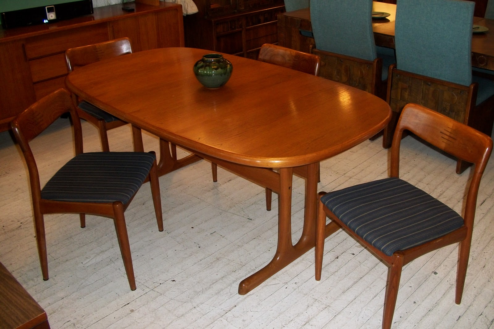 An orange moon d scan solid teak dining room table 4 chairs for 4 dining room table