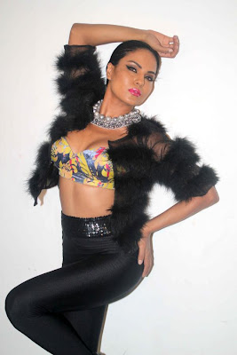 veena malik sizzling to support homosexuality cute stills