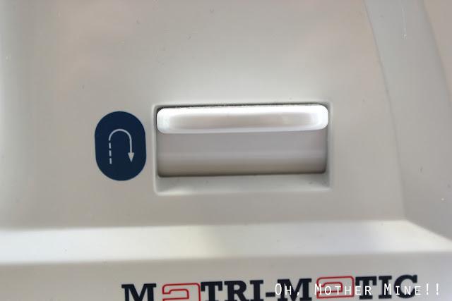 Cómo enhebrar una máquina de coser