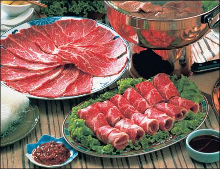quán lẩu bò nhúng giấm đắt khách nhất tại Hà Nội :