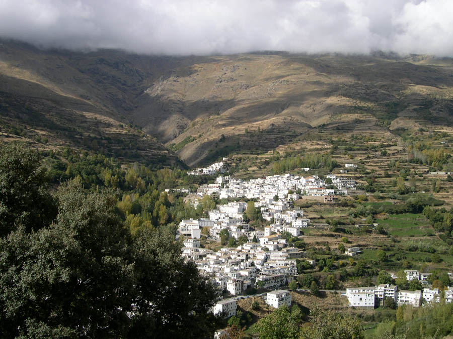 TREVÉLEZ, EN LA ALTA ALPUJARRA GRANADINA