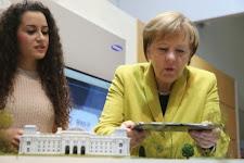 Merkel goes Tablet - Die besten Tweets
