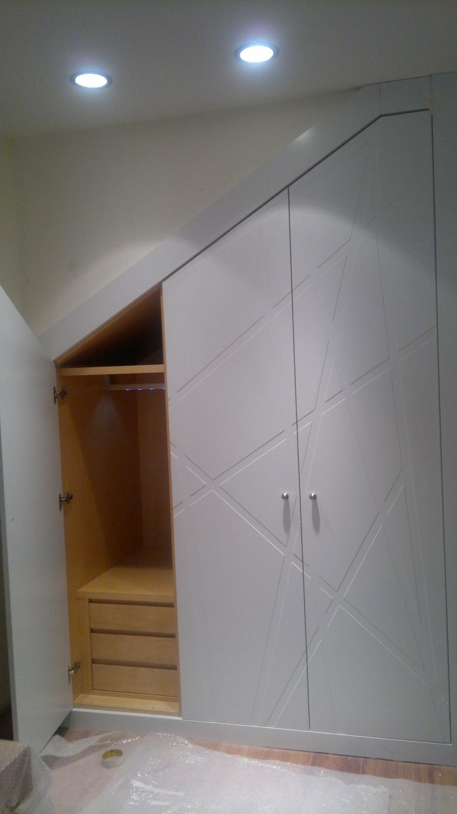 Ebanisteria carpinteria manuel perez zaragoza armario for Puertas debajo escalera