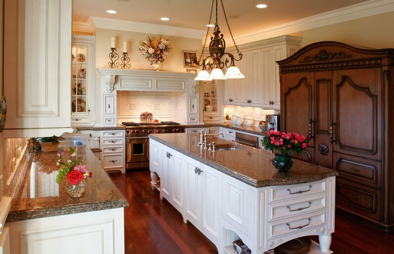 Antique kitchen cabinets kitchen design best kitchen for Vintage kitchen designs photos