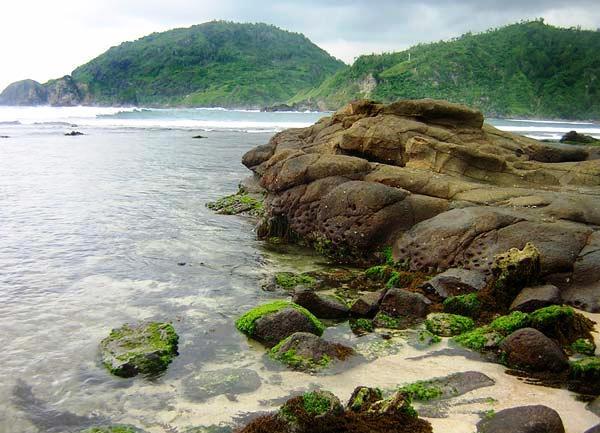 Wisata Pantai di Jogja Yogyakarta - Pantai Wediombo Gunung Kidul