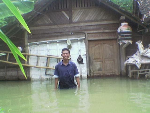 gambar rumah kebanjiran