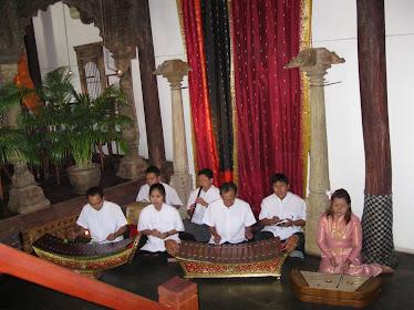 การแสดงดนตรีไทยผสมเครื่องสาย