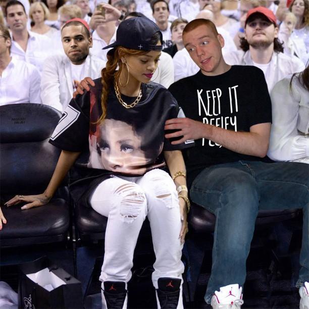 Guy Hilariously Photoshops Celebrities