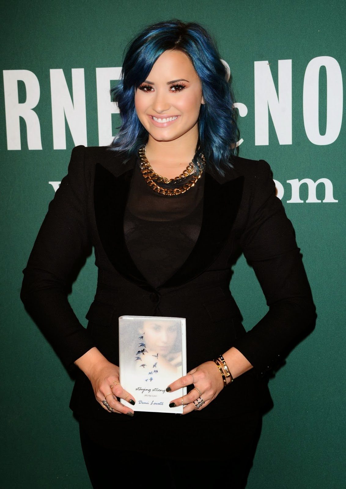 Review Staying Strong Five Days A Year Last Year Demi Lovato