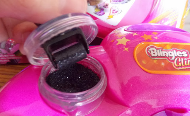 blingles glitter roller in glimmer studio set