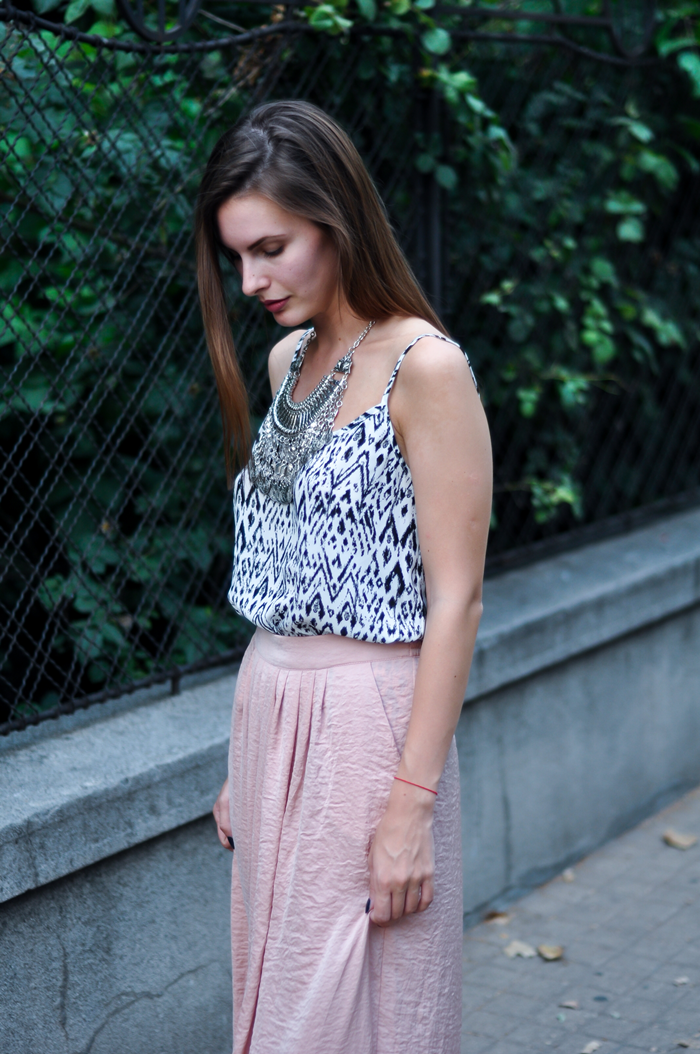 aleksandra skorupan, velvet and milk blog, street style, statement necklace
