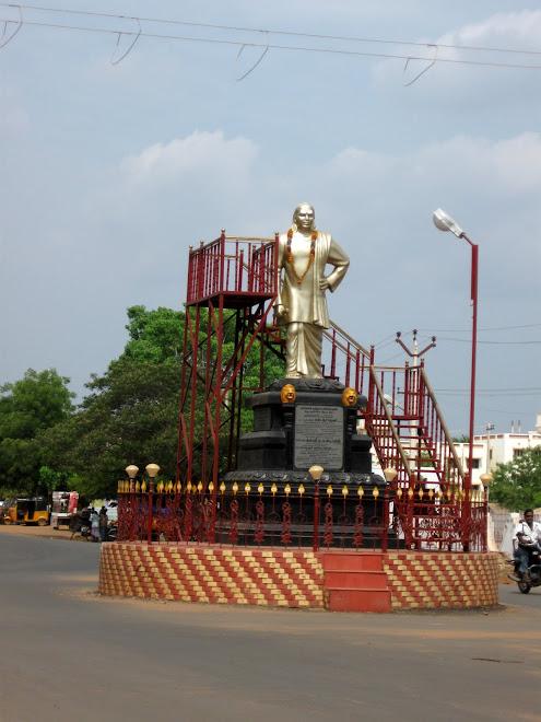 thevar statue