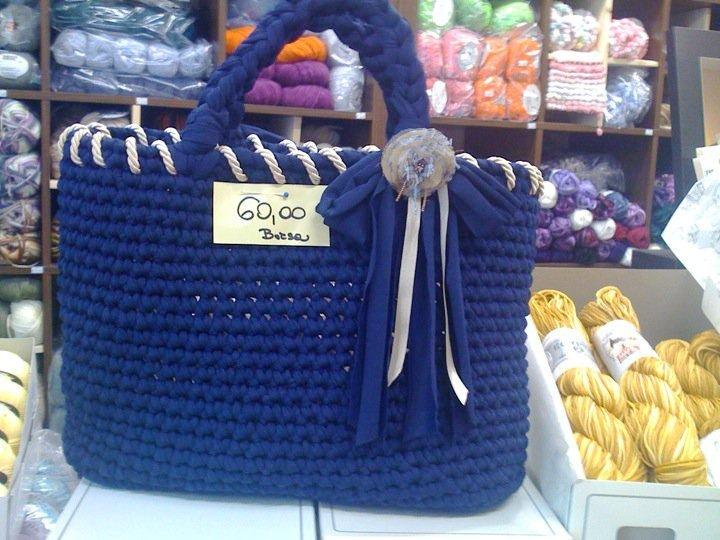 impazza la moda delle borse di fettuccia fatte a mano all uncinetto ed ...