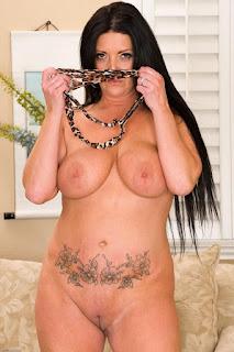 Hot Girl Naked - rs-sam076ASI_298229095-752530.jpg