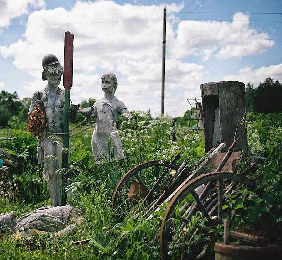 Ao lado das estradas: símbolos e objetos abandonados há décadas