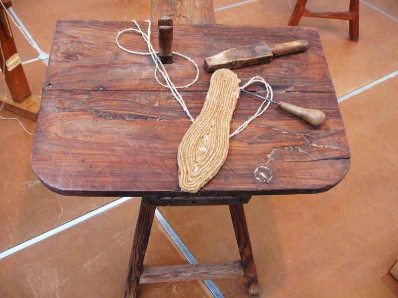 Making a esparto espadrille