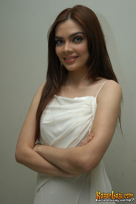 Nova Soraya Lahir Di Jakarta  Adalah Pemeran Indonesia