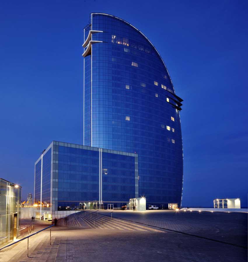 Vitrogres hotel w barcelona las mejores piscinas del for Hotel barcelona w