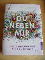 http://www.amazon.de/neben-mir-zwischen-ganze-Welt/dp/3791525409/ref=sr_1_1?s=books&ie=UTF8&qid=1443681937&sr=1-1&keywords=du+neben+mir