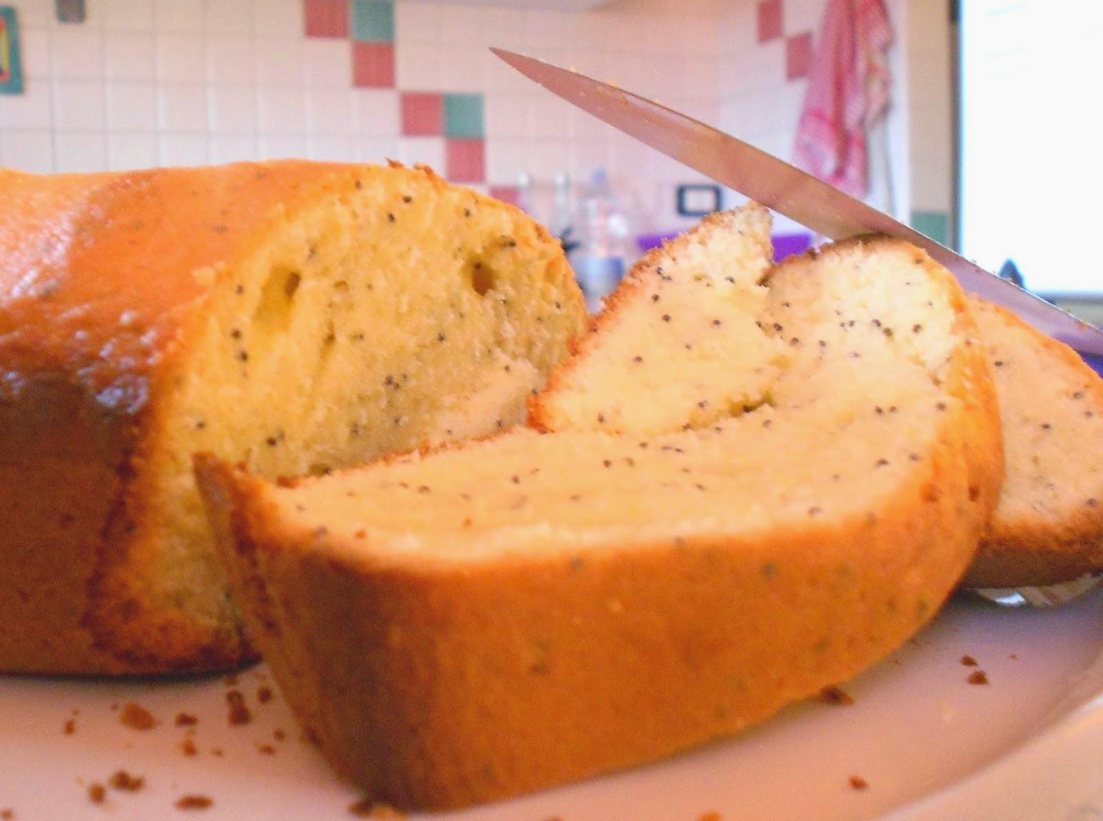 Plumcake al limone e semi di papavero