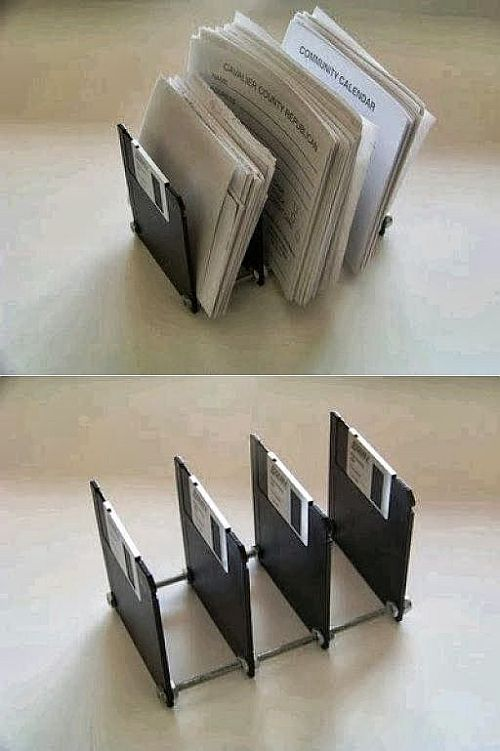 DIY: clever idea recycled disk paper holder