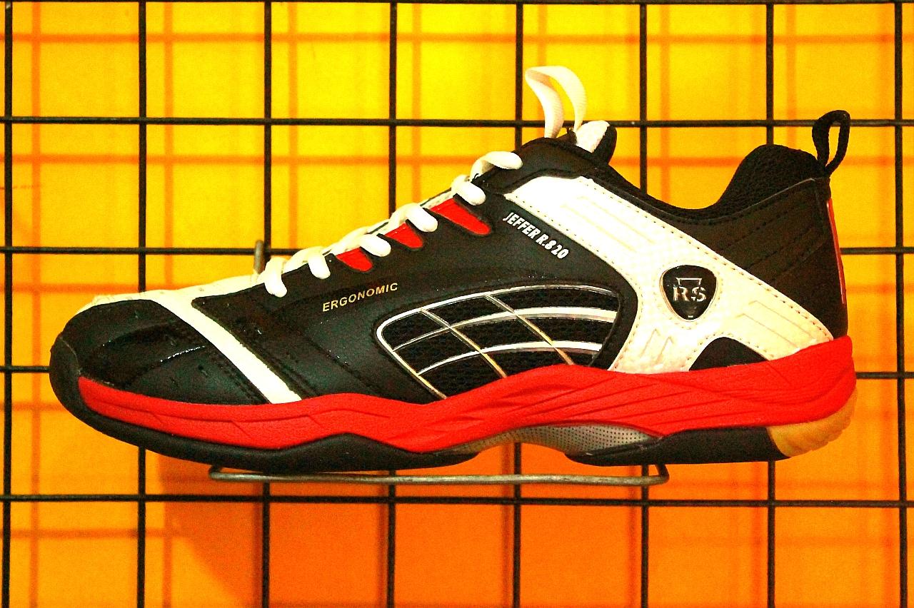 Bulutangkis Onlinet Sepatu RS Jeffer R 820 Black White