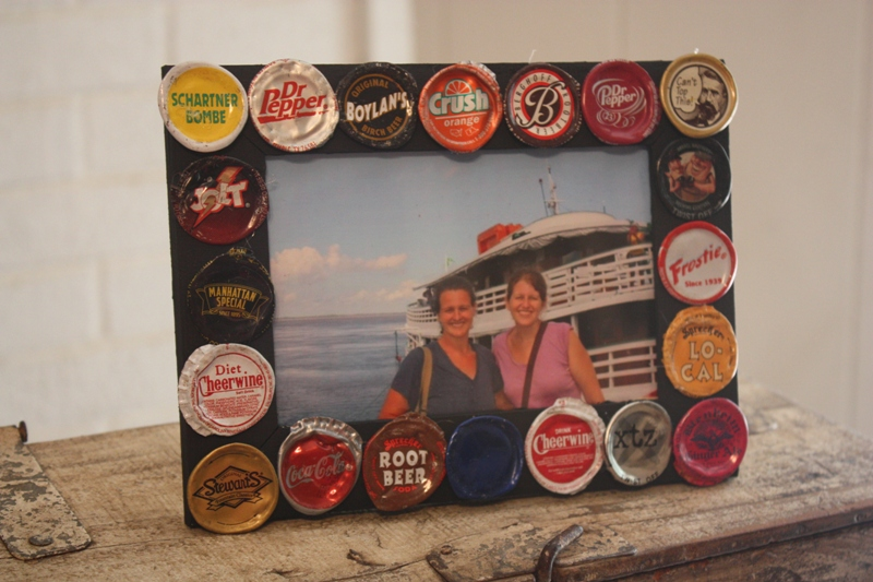 Christy bottle cap frame for Beer bottle picture frame