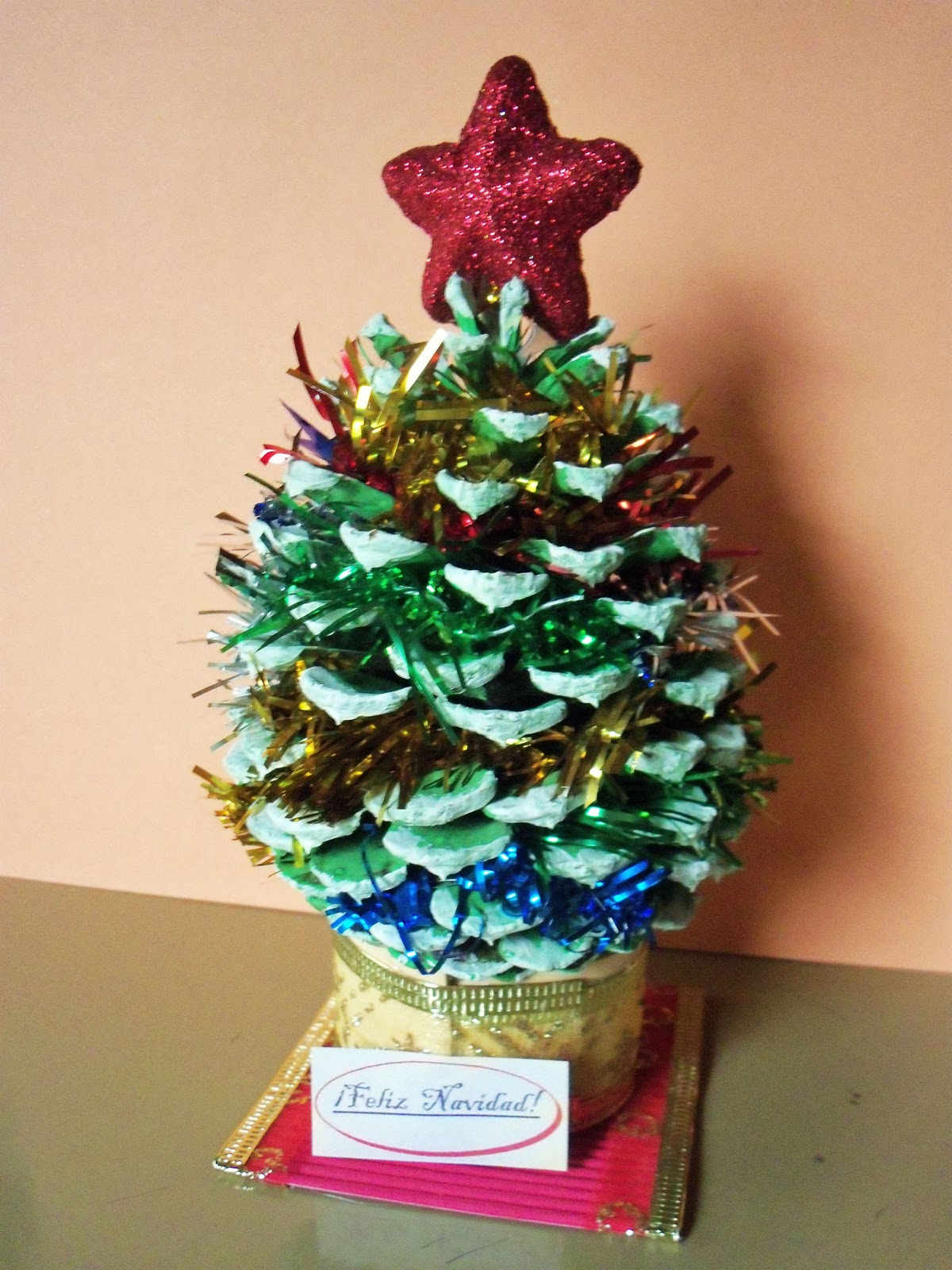 El rinc n de las melli pino navide o con pi a - Manualidades navidad con pinas ...
