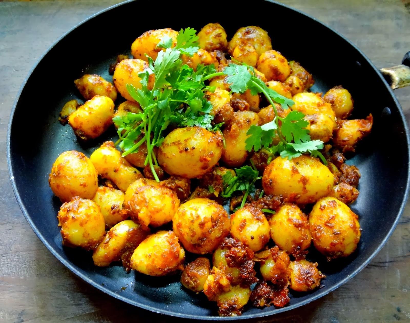 Spicy Jeera Aaloo ( Baby potatoes tossed in crushed cumin ...