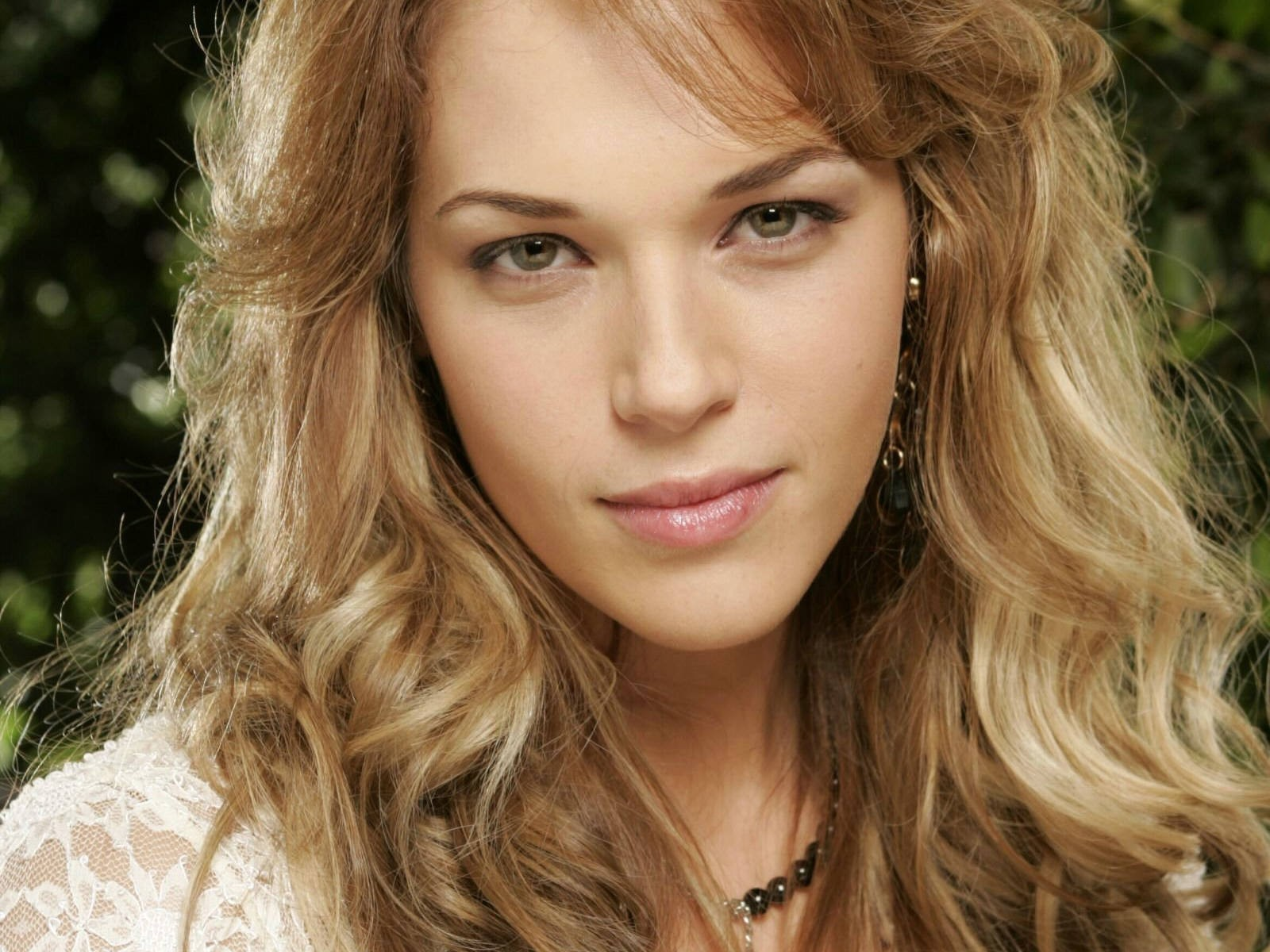 Amanda Righetti