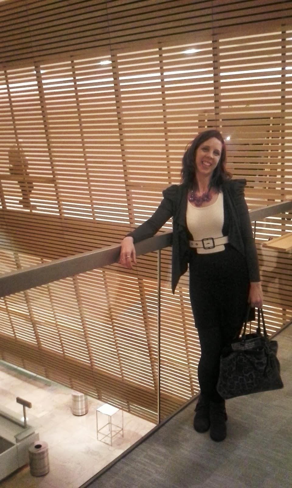 Canadian Opera Company Dress Rehearsal of Mozart's Cosi fan tutte in Toronto fashion fashion blogger culture Melanie.Ps The Purple Scarf