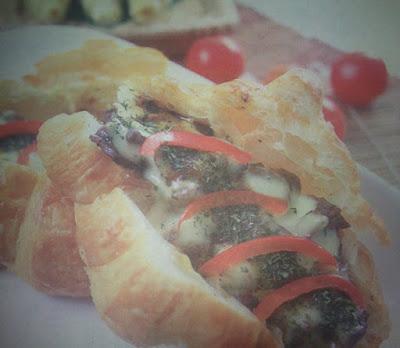 Croissant Sandwich Beef Blackpepper