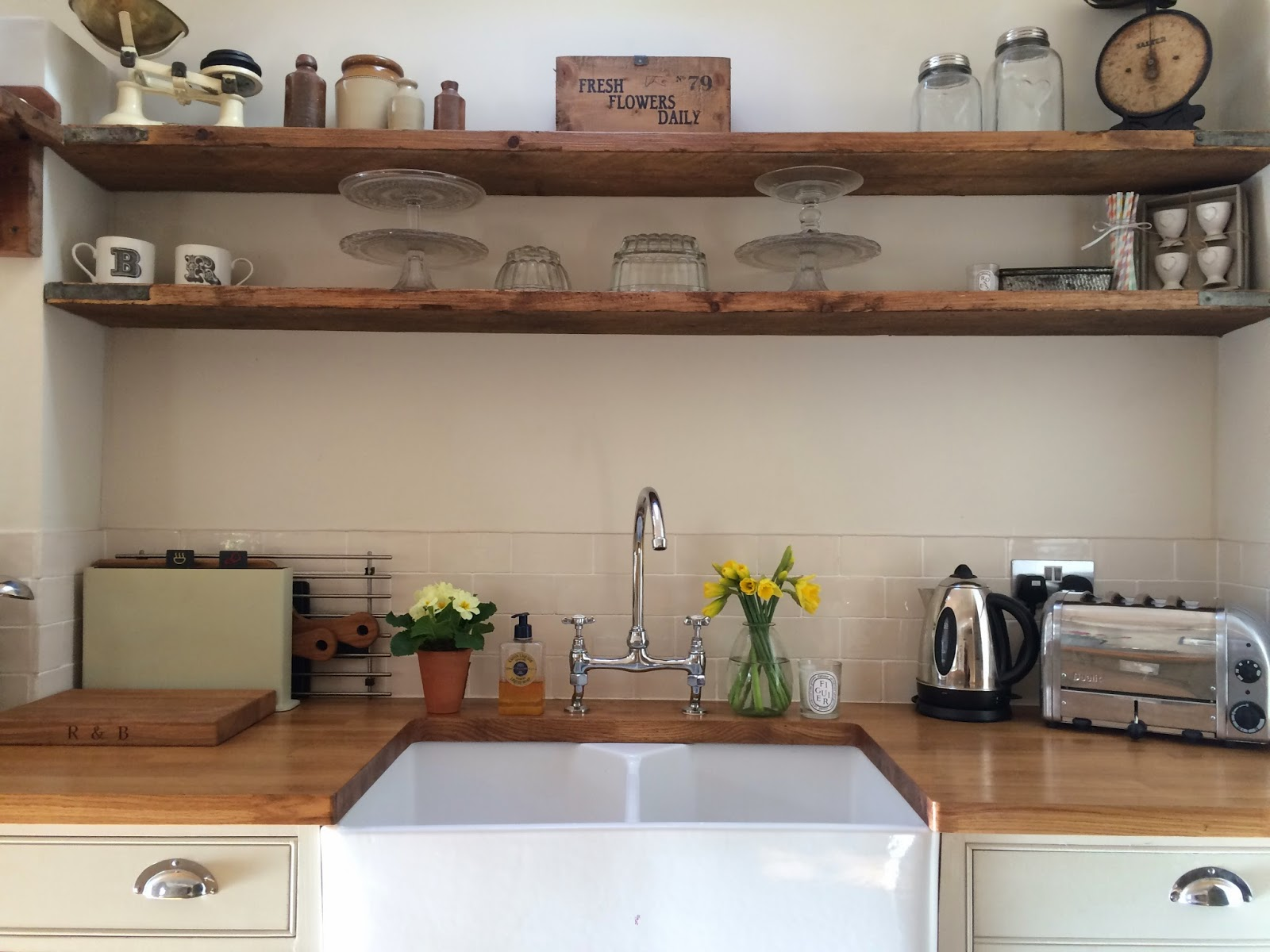 Makeover scaffold board shelves roses and rolltops for To do board for kitchen